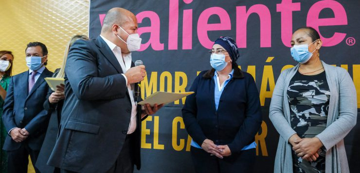 Anuncia Alfaro más apoyos a organismos de lucha contra el cáncer de mama